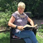 Karin im Garten